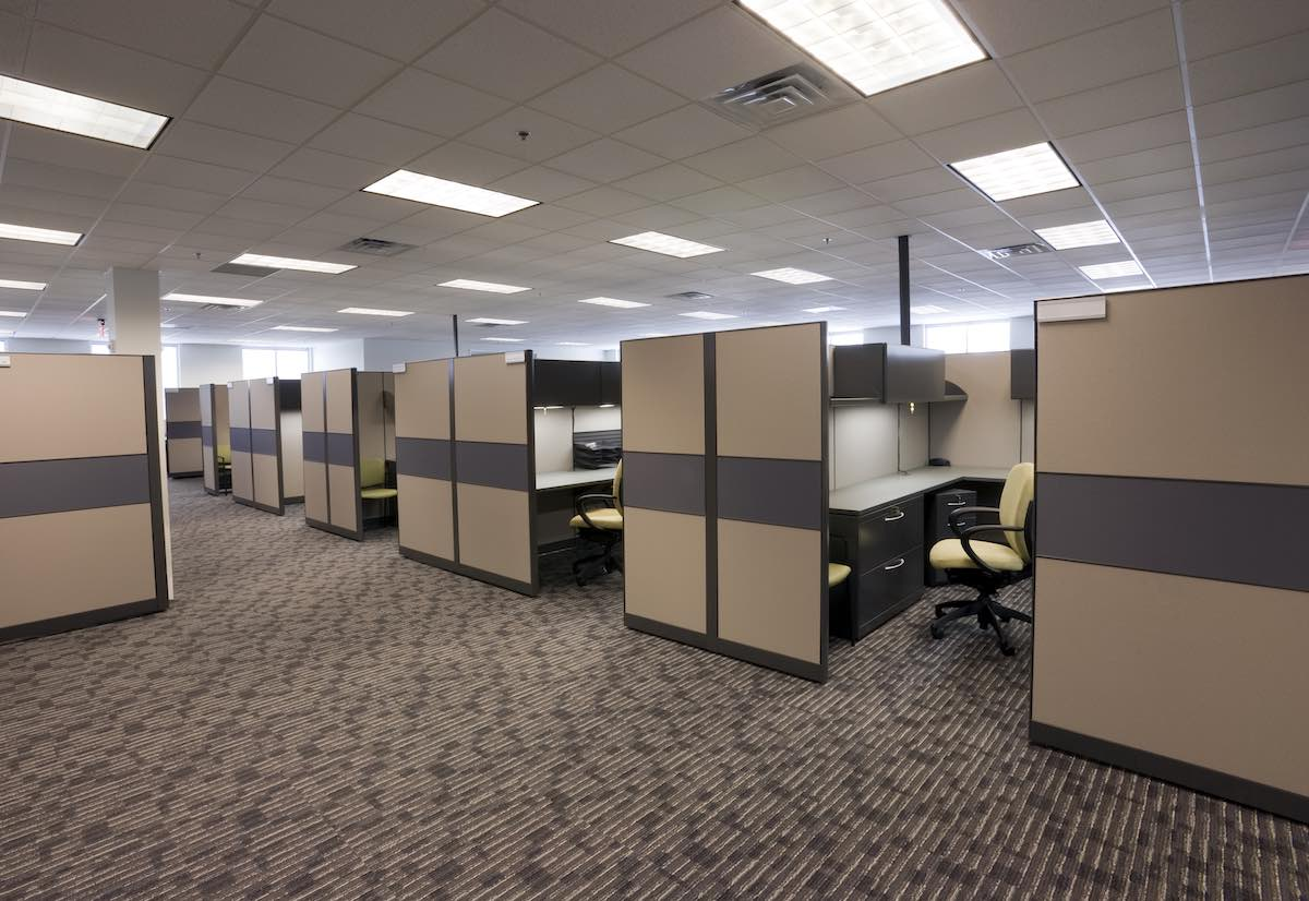 WHAT TO KNOW ABOUT CUBICLE PANELS
